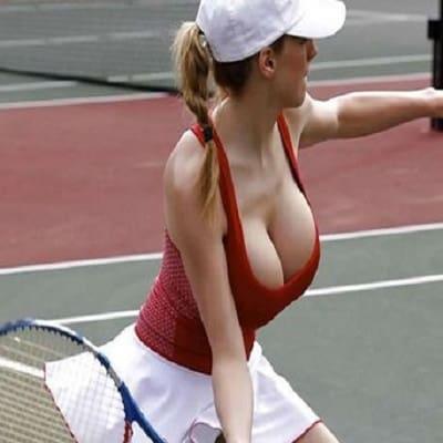 TennisBoobs2